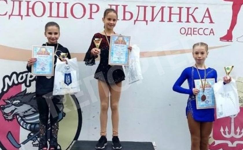 Днепровские юные фигуристки привезли «серебро» и «бронзу» из Одессы