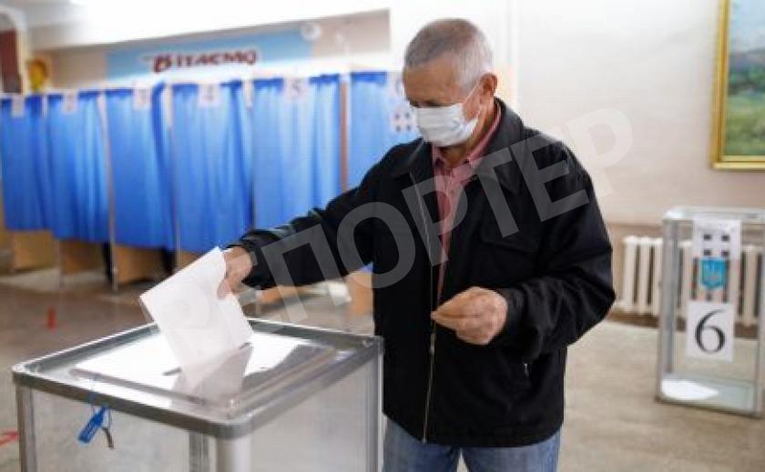 Второй тур местных выборов стартовал в Днепре и Никополе