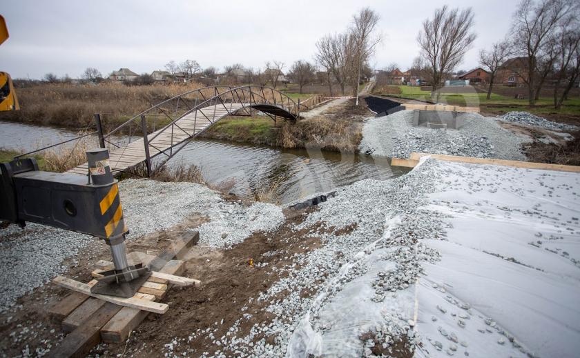 На Днепропетровщине строят новый мост через Мокрую Суру