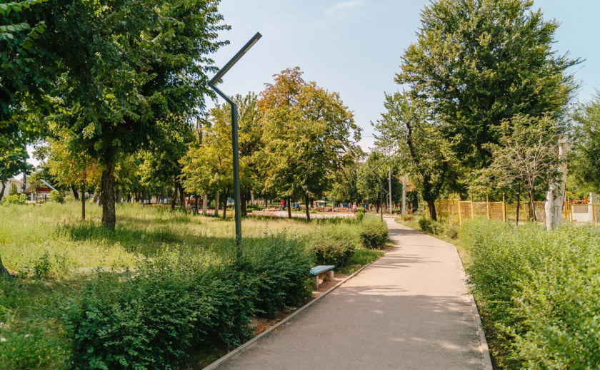 Хотите жить? Обходите парки и пляжи Днепра стороной!