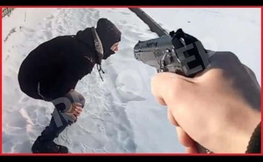 В Днепре возле АТБ человеку выстрелили между ног