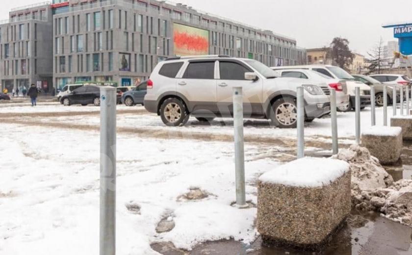 Невидимые бесплатные парковки. Днепрянам преподнесли бесполезный подарок