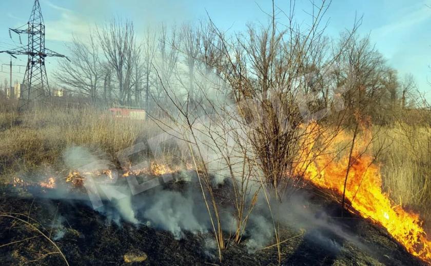 На Днепропетровщине сгорели 125 гектаров земли!