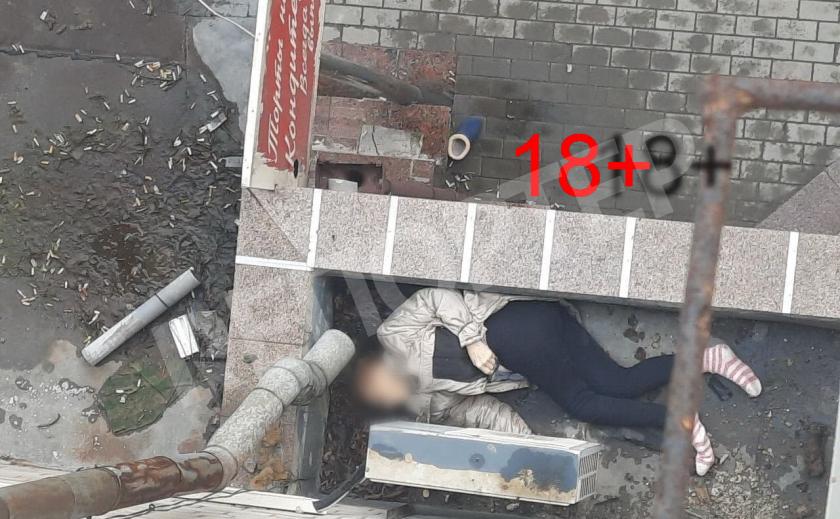 В Днепре 82-летняя женщина выбросилась из окна и разбилась 18+