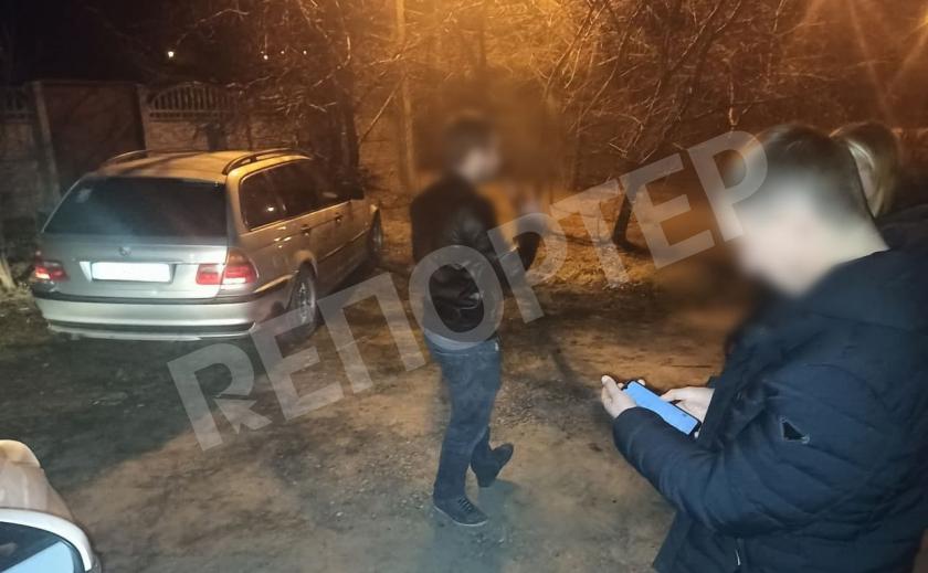 Крутой «работник мэра» на BMW с питбулем стращал днепровских копов своей должностью