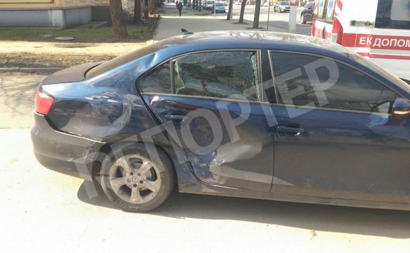 В криворожской аварии водитель едва не сломал позвоночник