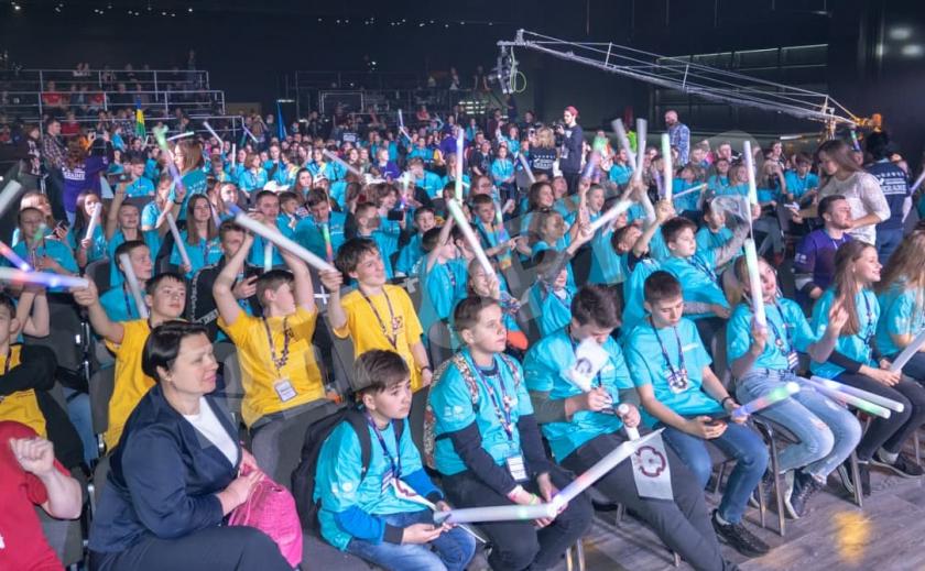 Школьники Днепропетровщины победили в двух номинациях Всеукраинской олимпиады креативности