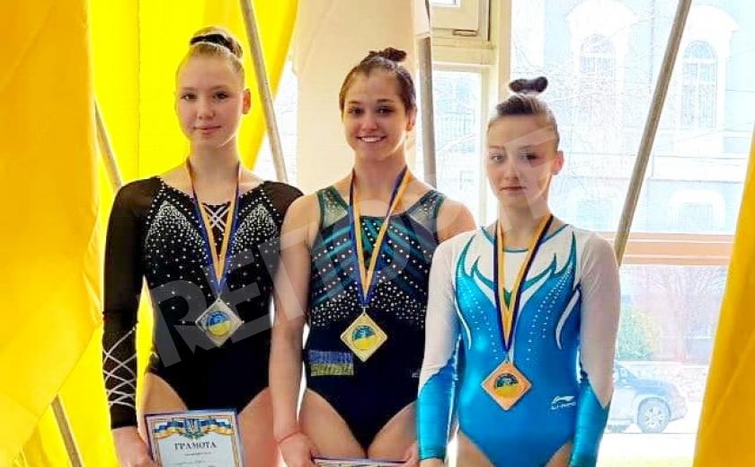 Спортивные гимнасты из Днепра привезли с чемпионата Украины 7 медалей на двоих