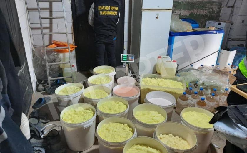 В Днепре полиция накрыла наркозавод. Изъяли 120 кг амфетамина