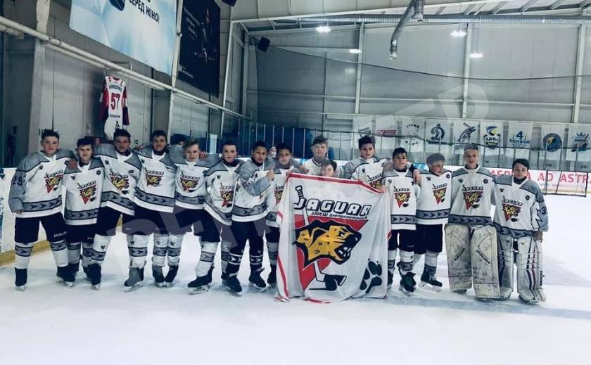 Юные хоккеисты Днепра и Кривого Рога выиграли турниры U13 и U12