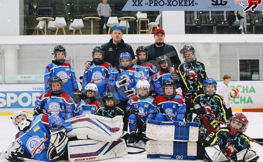 Команда «PROХоккей» из Днепра выиграла турнир «KremenCup» по 2011 г.р.