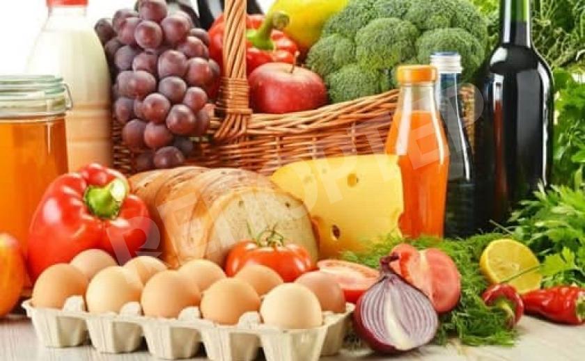 Более 50% доходов украинцев идет на еду