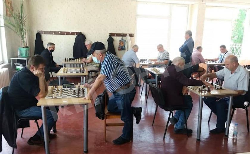 Шахматисты-ветераны Днепропетровщины стали сильнейшими в Украине в блице и рапиде