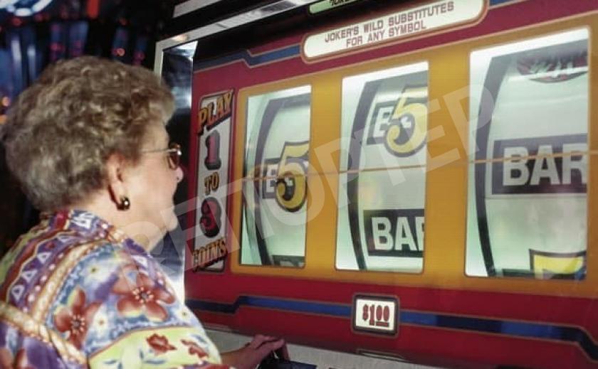 Бес попутал? Американская монашка годами «грешила» в казино на украденные деньги