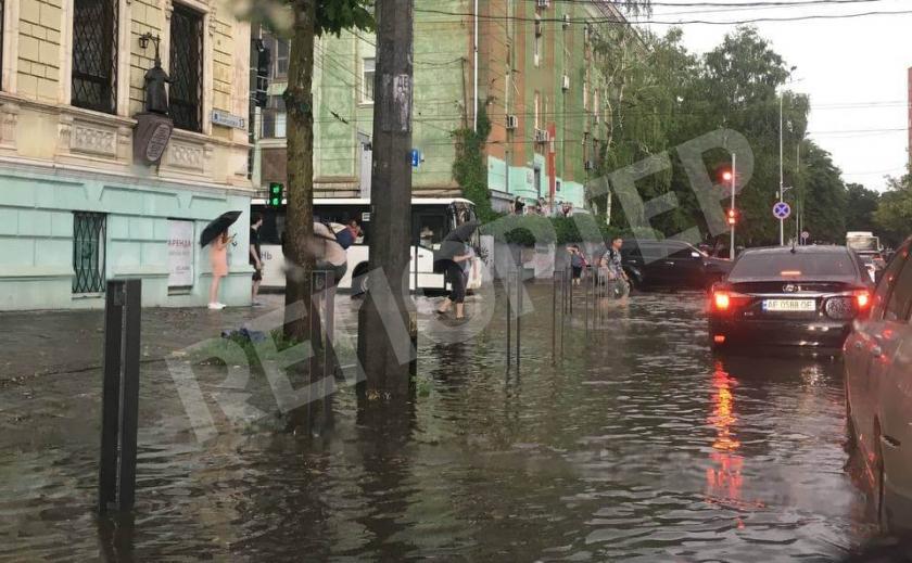 Днепр превратился в мини-Венецию: последствия непогоды
