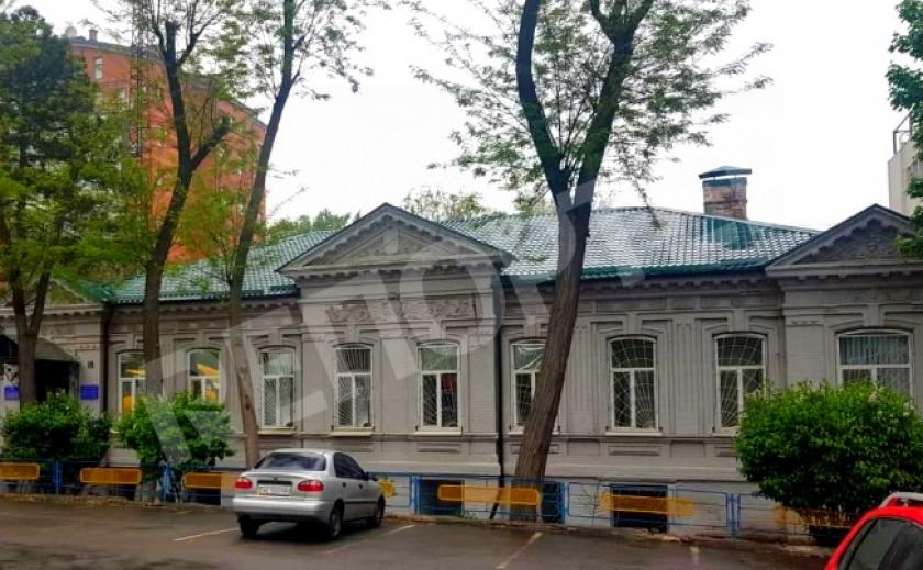 Суд Днепропетровской области вернул здание военкомата государству