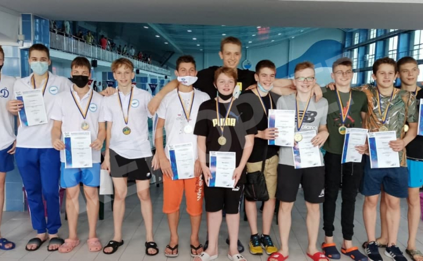 Пловцы Днепропетровщины выиграли командное «золото» на Летнем ЧУ среди юношей