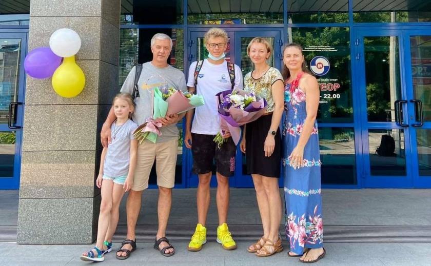 Бассейн «Метеор» в Днепре предложил 15-летнему пловцу отдельную дорожку для подготовки к Олимпиаде-2024