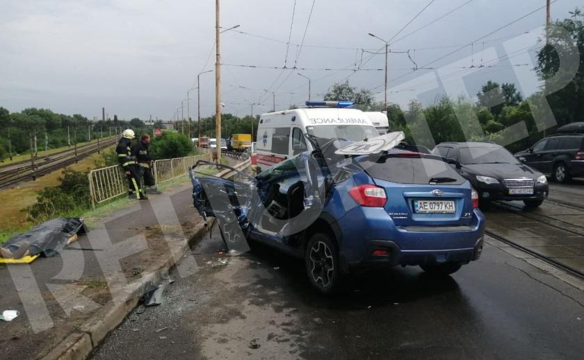 В Днепре произошло ДТП на Амурском мосту: есть жертва