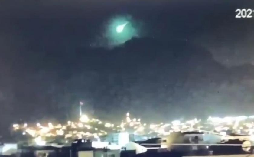 Зеленый свет: в Турции сняли загадочный объект