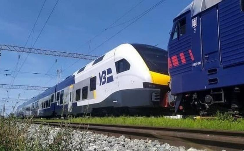 «Укрзалізниця» планирует пустить в Днепре поезд Stadler FLIRT на пригородном сообщении