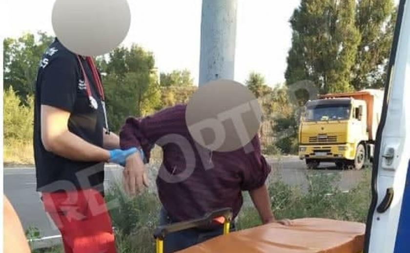 В Днепре мужчину на электросамокате сбил автомобиль
