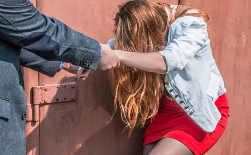 В Днепре пьяного «Казанову», домогавшегося 17-летнюю девушку, наказали грабители
