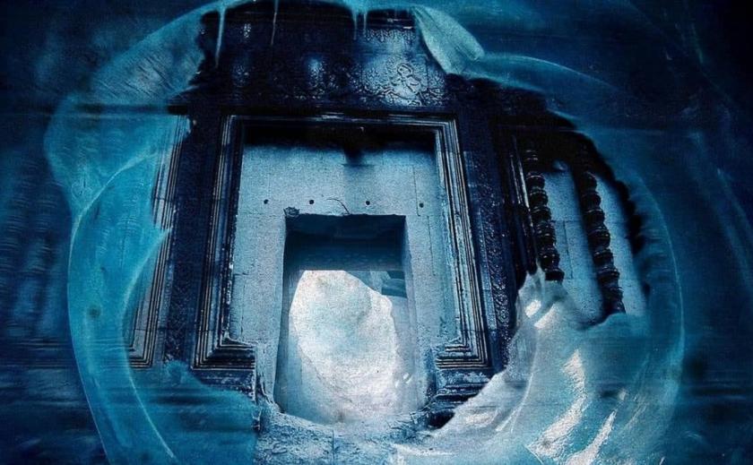 А может НЛО: в Антарктиде обнаружили тайную базу