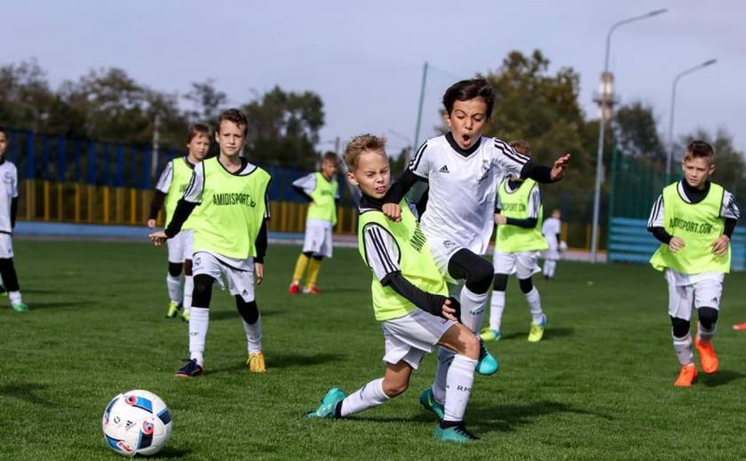 Украина примет школьный чемпионат мира по футболу и Зимнюю Всемирную Гимназиаду-2023