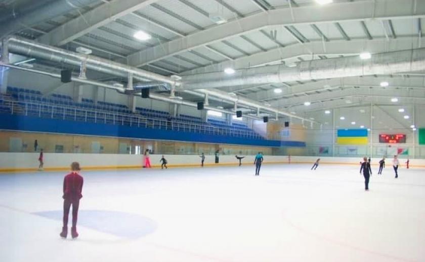 В Днепропетровской области построят 2 ледовые арены