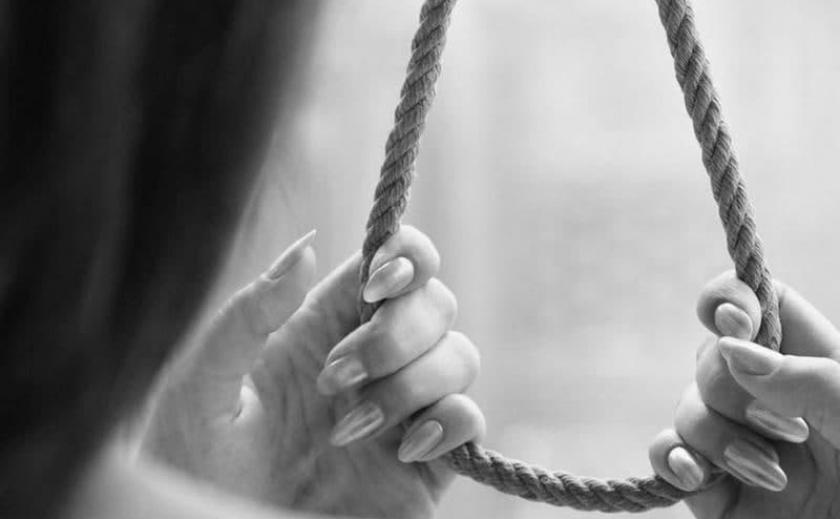 После ссоры с сожителем: в Днепре обнаружили повешенной 34-летнюю женщину