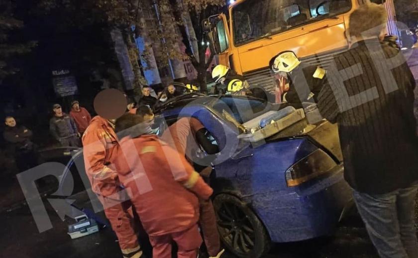В сети появилось видео момента ДТП в Днепре, в котором погибли две девушки