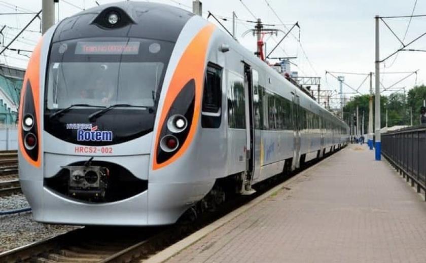 Министерство инфраструктуры хочет за 2 года соединить поездами «Интерсити» все областные центры Украины