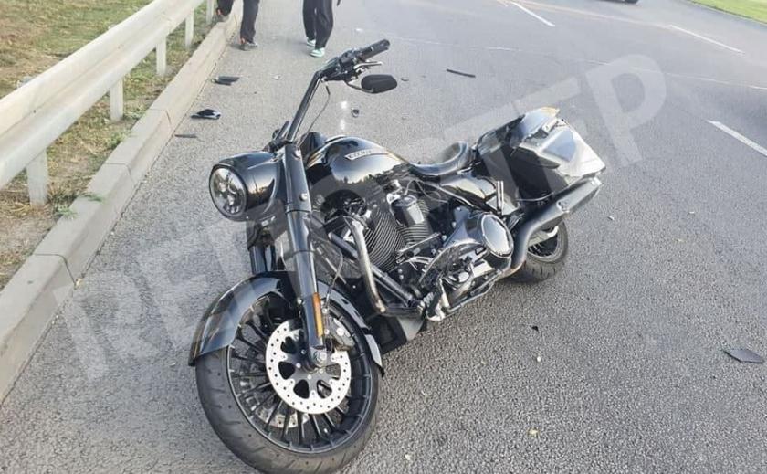В Днепре во время ДТП погиб водитель «Harley Davidson»