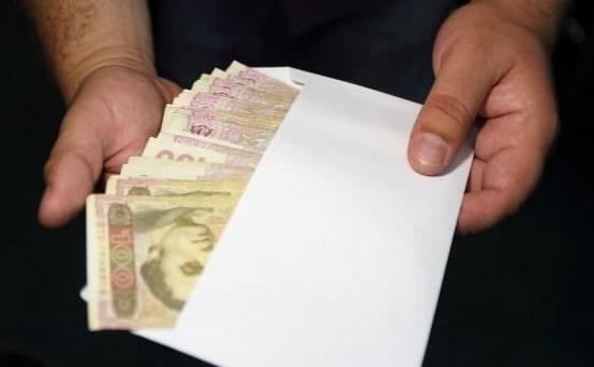 Сотрудников налоговой на Днепропетровщине обвиняют в коррупции на 340 тыс. грн
