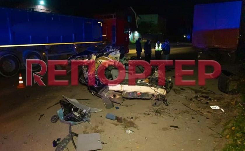 В Днепре произошло ДТП между BMW и фурой: есть погибший