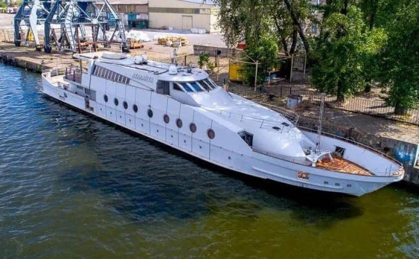 В Днепре за бюджетные 752 тыс. грн отремонтируют яхту «Геннадия Корбана»