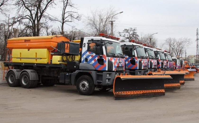 Бесполезные коммунальщики: в Днепре опубликовали тендер на уборку снега в Новокодацком районе