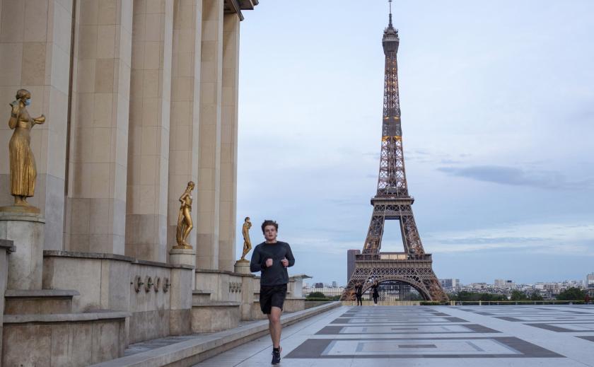 Французы на карантине набирают лишние килограммы