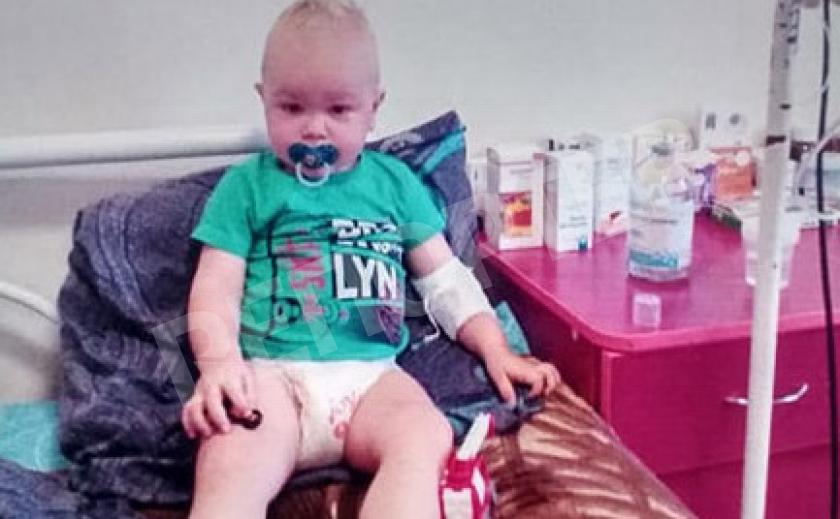 Днепровские футболисты сдали кровь для онкобольного мальчика