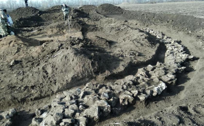 На Днепропетровщине, на родине Павла Лазаренко, раскопали десятки могил ФОТО