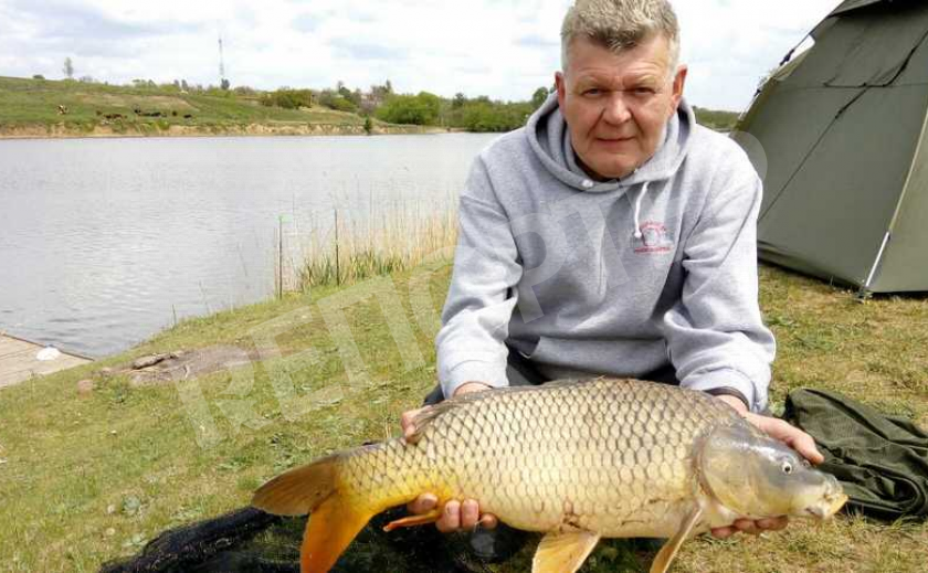Днепровский рыболов удивляет охотников за чешуйчатыми гигантскими трофеями