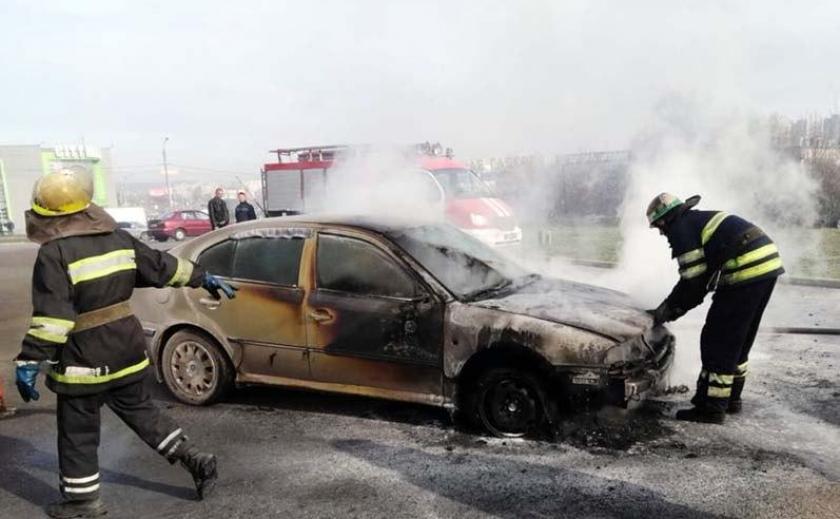 На Днепропетровщине водитель обгоревшими руками пытался спасти свою «ласточку» ФОТО