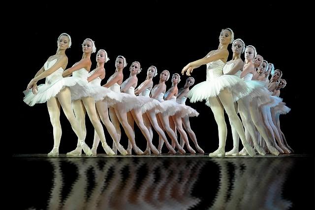 Артисты Днепровского балета находятся под наблюдением медиков ФОТО