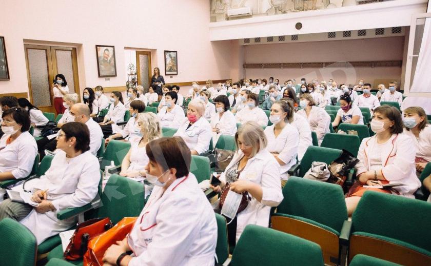 По инициативе Загида Краснова в Днепре состоялся Международный «Медицинский мост»
