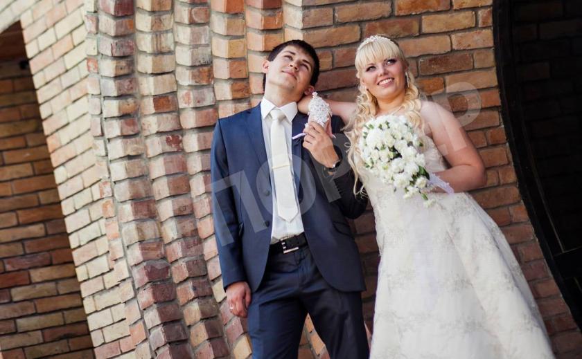 В Днепре во время свадьбы хотели обчистить квартиру молодоженов